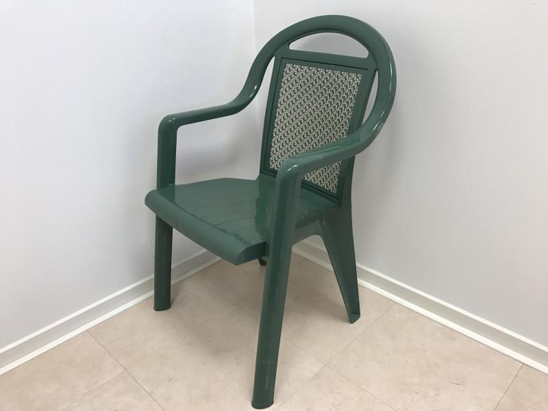 Stoel Met Leuning : Stoel groen met armleuning stoelen krukken partyverhuur